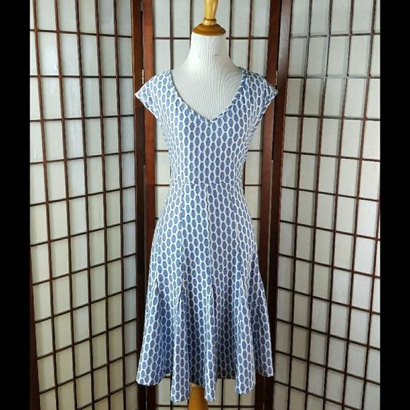 b6496ca9eb2 Taylor Dresses   Skirts - Just Taylor Geometric Lined Fit   Flare